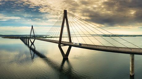 DSV Faro Bridge