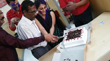 DSV Kolkata office: Cutting of the cake