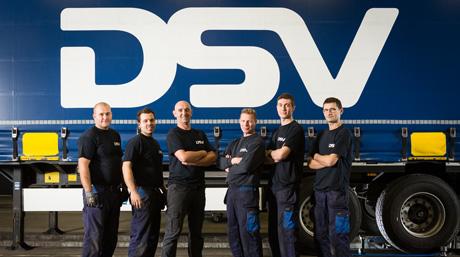 DSV mechaniocs team in front of DSV trailer