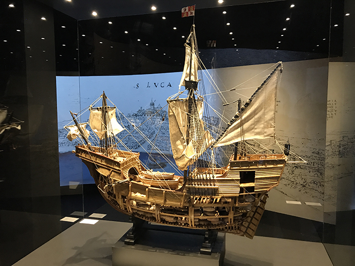 embarcacion espanola exposicion primera vuelta al mundo museo naval madrid