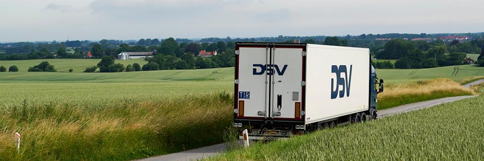 DSV-jakeluauto maaseudulla