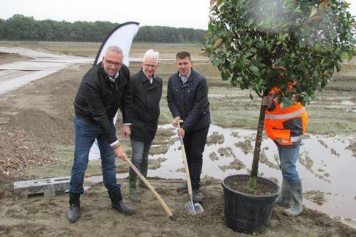 DSV plant eerste boom op Tholen | DSV