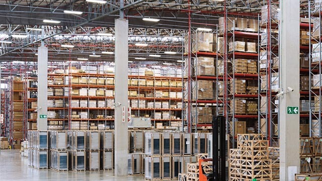 Warehousing - We know your need for expanding or reducing your inventory levels in a constantly changing world