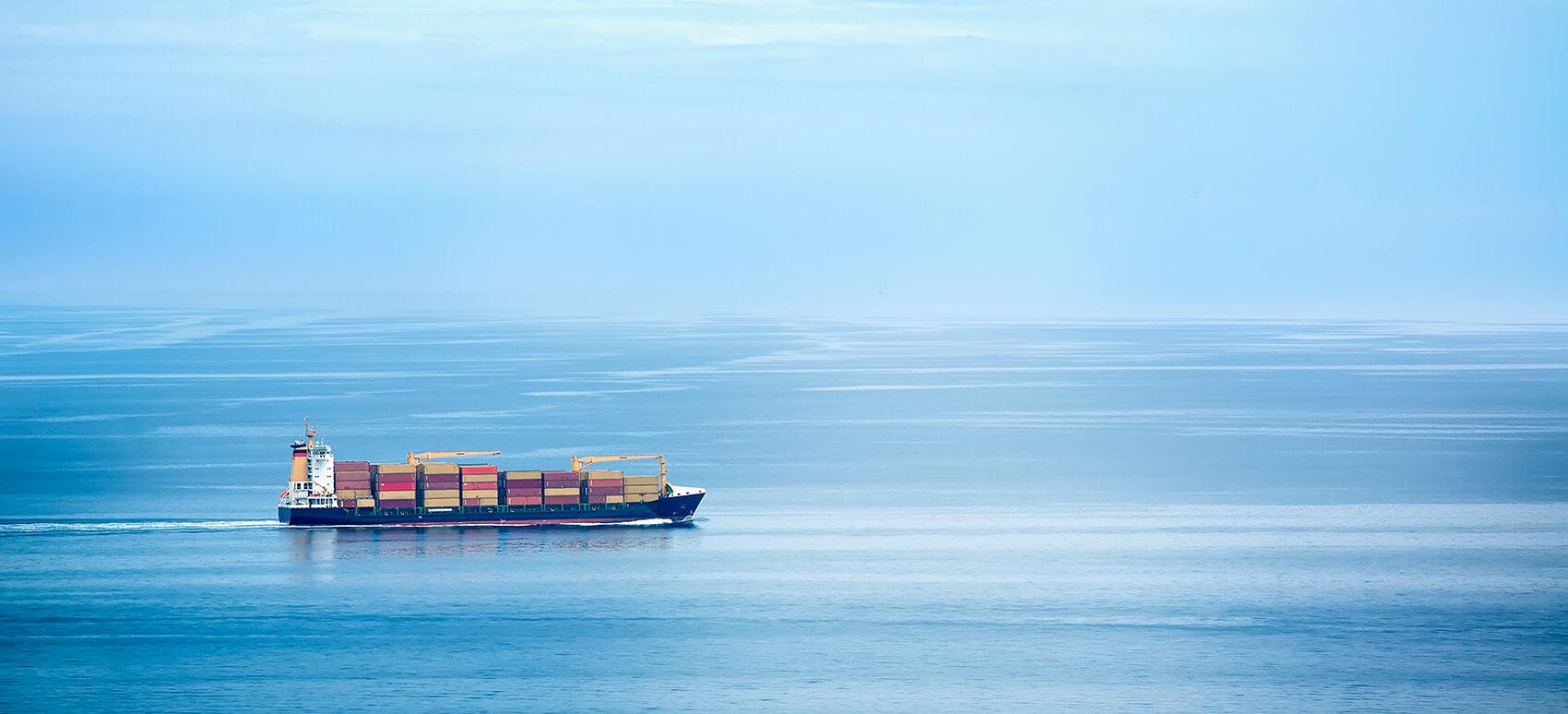 Den internationale maritime organisation (IMO) har besluttet at implementere ny brændstofregulering på skibsfart.