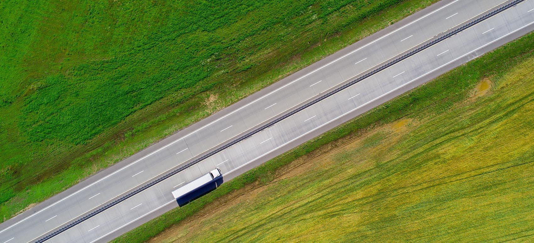 EU-vejpakke. Ny regel i køre-hviletidsforordningen giver chaufførerne en planlagt hjemreturnering hver 4. uge