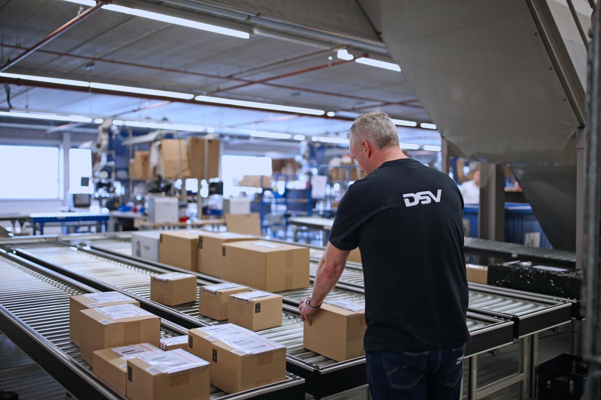 dsv panalpina completes acquisition of prime cargo