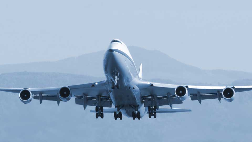dsv expands air freight capacity with new intercontinental air charter routes