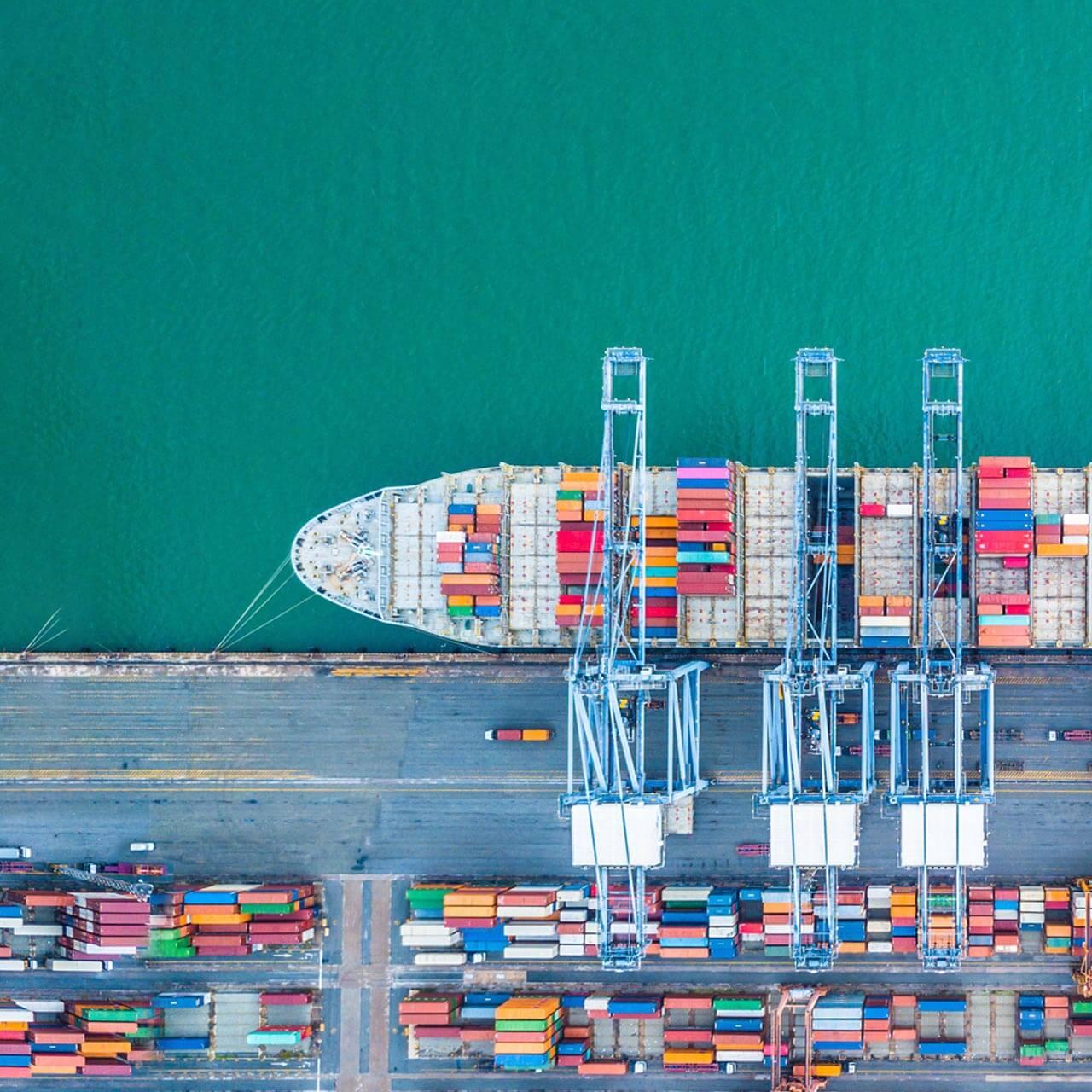 Transporting break bulk cargo by sea